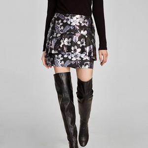 NWT Zara AW17 Size S Print Faux Leather Mini Skirt